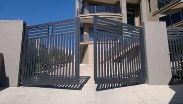 Автоматические распашные ворота: преимущества и достоинства
